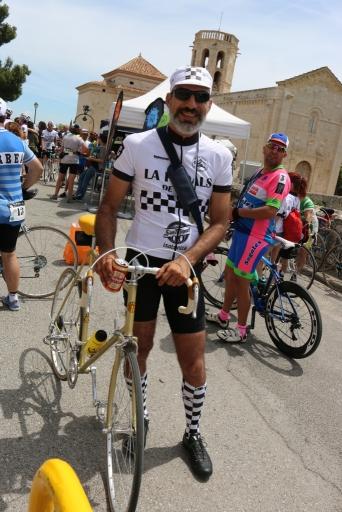 Rober con su preciosa bici.