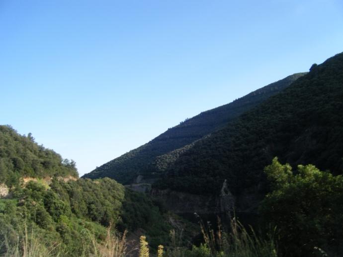 Descenso vertiginoso hacia Cànoves, pasando por el Pantà de Vallforners
