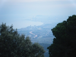 Vista desde el mirador de Turó Lledó. Se ven colas en la Autopista del Maresme... a mi me espera pista libre y descenso para conseguir la gloria!