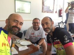 Un gran momento personal, acompañado de dos grandes amigos unidos por nuestra pasión: Ramón, Jimmy y Txiki.