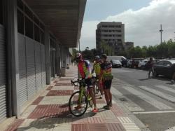 Saludando a José y Ramón, a su llegada a la estación de Reus. Emoción.