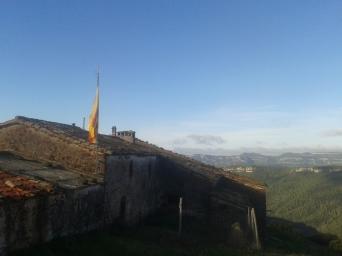 Primer avituallamiento a mitad de la ascensión al Pla de la Calma, Ermita de la Mora, vistas impresionantes que motivan. Seguimos!