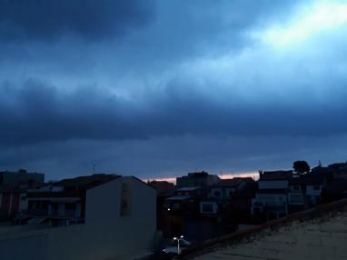 ... amanecer tronador, va a llover...