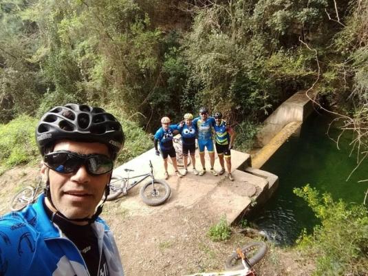 Font de les Nueretes (Joaquin, Leo, Luis, Miguel y Txiki)