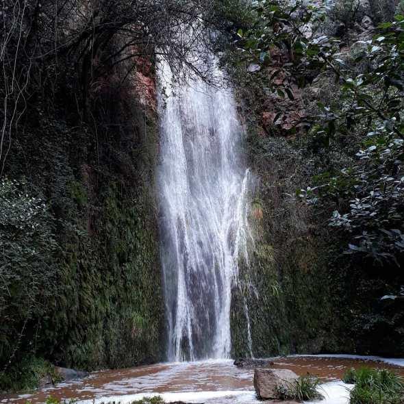 Salt de Can Montllor bajando desde la Font dels Llorers