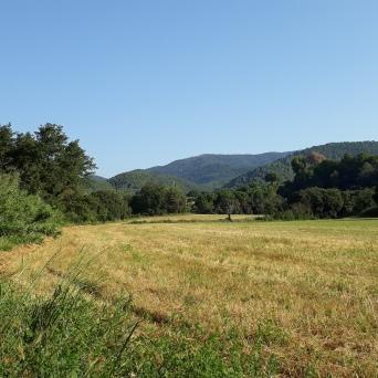Línea de intervisibilidad entre el inicio y el final de la etapa reina. Del castell de Sentmenat a Serra Llisa