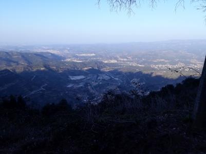 Vistas de la Vall del Llobregat des de la barrera del Monestir.