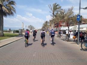 Conociendo a grandes personas, dando pedales tras Cris, Noemí, Santy y Jimmy.