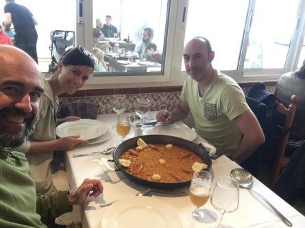 El encuentro con Ramón y Ana no podía haber sido mejor. Paellas en l'Albufera y en València. Como siempre es toda una alegría coincidir con ellos.