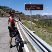 Coronando el Coll de Montllobar... Faltan 100 metros de desnivel (GPS marca 980m)